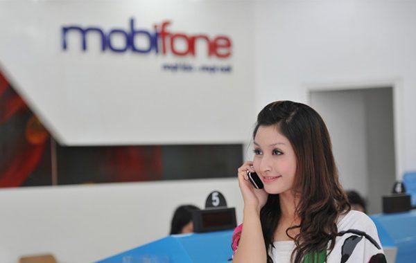 Hôm nay MobiFone khuyến mại 50% cho thuê bao trả trước nạp tiền trực tuyến